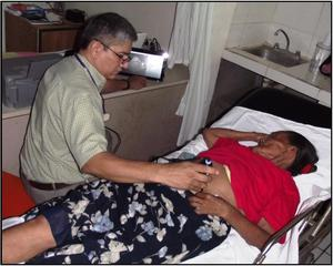 Dr Jorge                                                           Flores with                                                           ultrasound                                                           patient 2