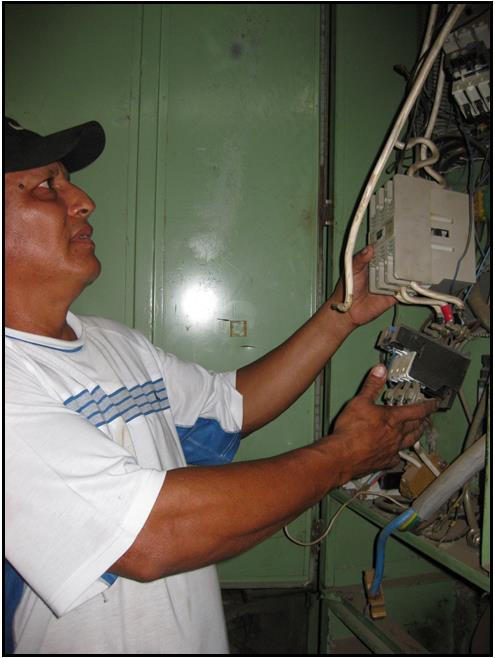 Rogelio replacing                                                 generator wiring 3